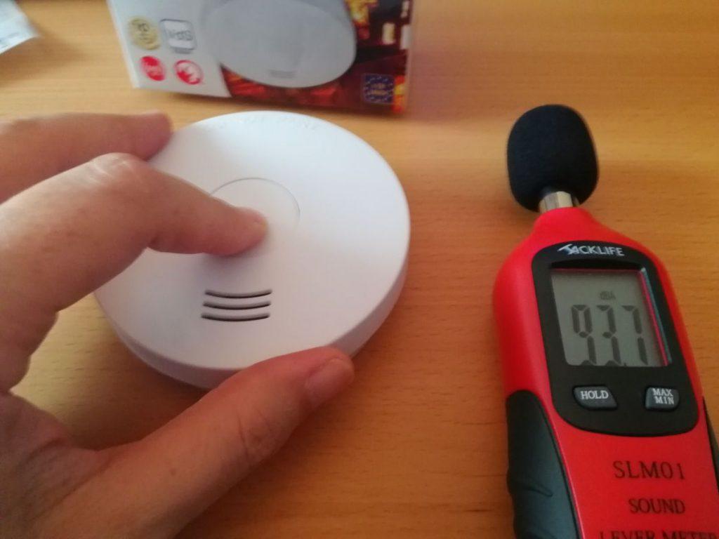 Brennenstuhl RM L 3100 Test der Alamlautstärke